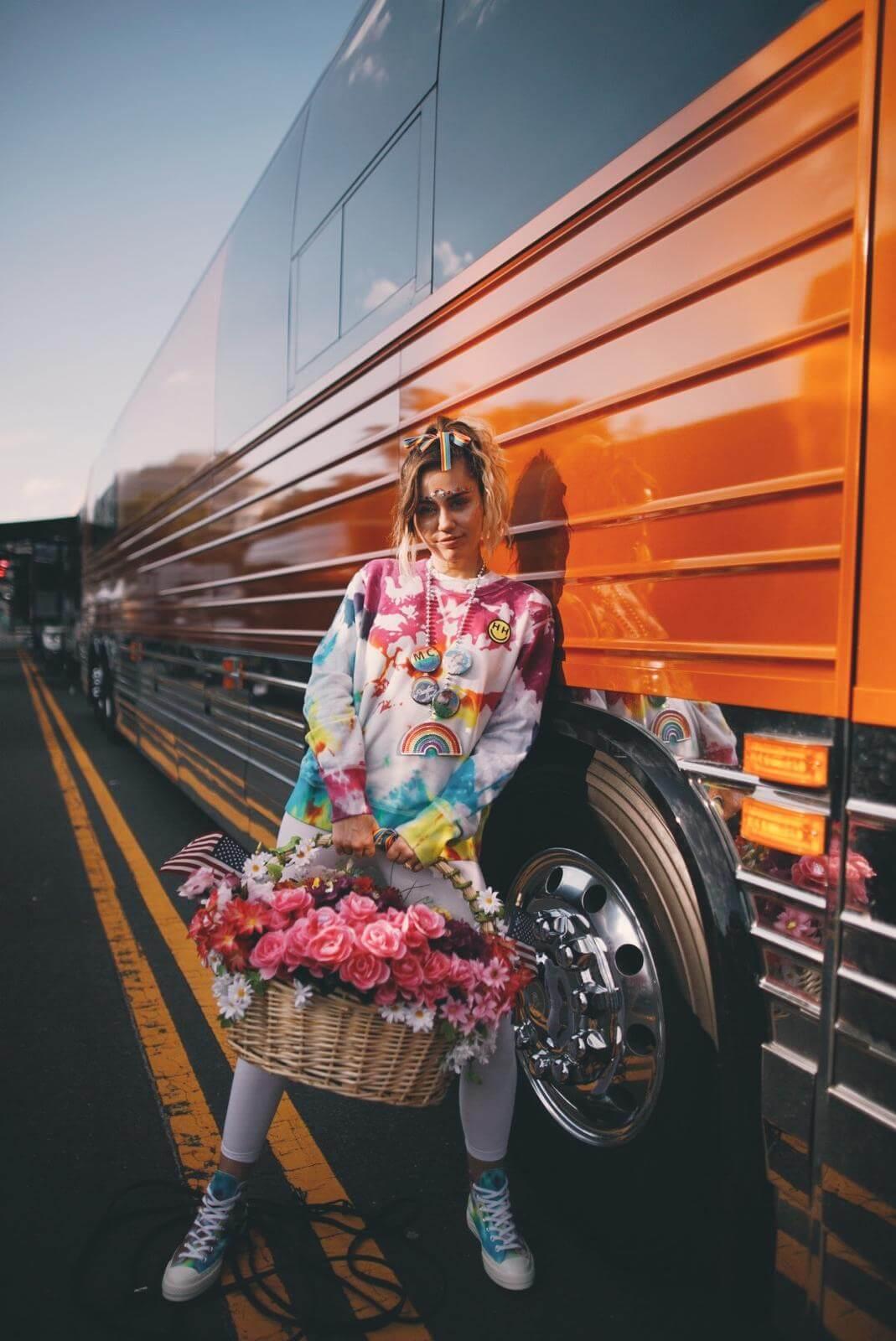 Converse y Miley Cyrus - Mercatrend Fashion School